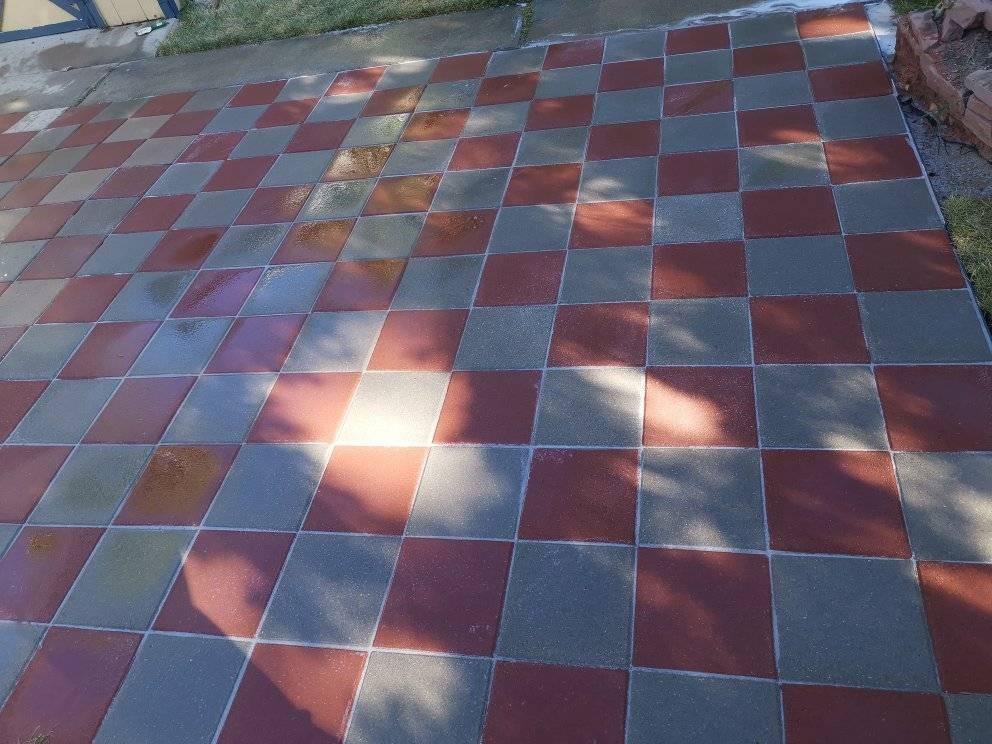 Patio with red and white checkerboard