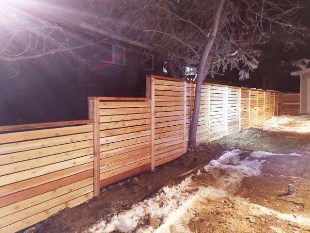 Horizontal fence construction